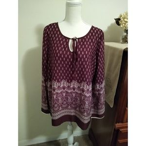 Size M Pink Owl maroon and white print top